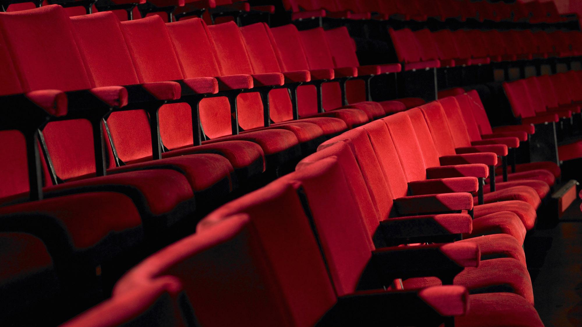 Más reaperturas de lugares de entretenimiento en Massachusetts