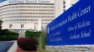 112009-uconn-health-center