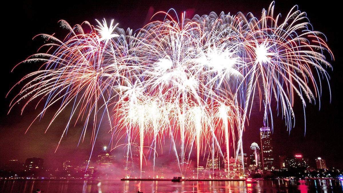 Fuegos artificiales del 4 de julio regresarán a Boston, pero la orquesta Boston Pops tocará en otro lado