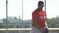 Darwinzon Hernández se prepara para temporada de béisbol con los Red Sox