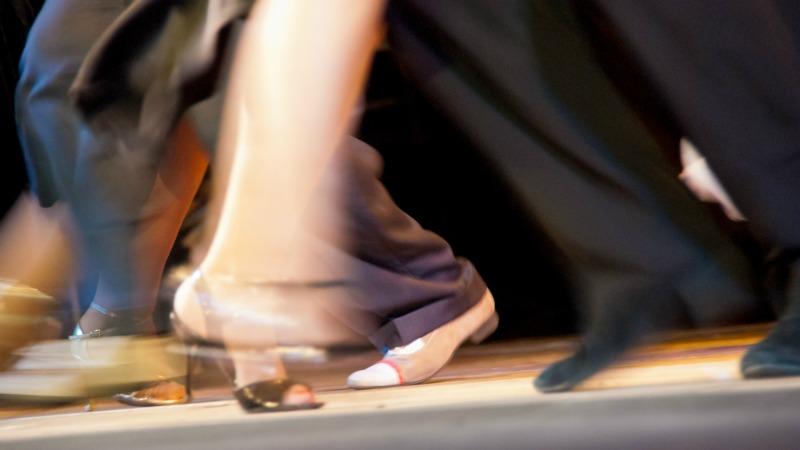 TLMA-baile-danza-salsa-tango-shutterstock_112203125