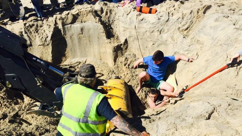 TLMD-Cape-Cod-marthas-vineyard-hoyo-casi-se-traga-a-excavador-en-la-playa