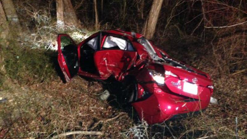 TLMD-Foxboro-accidente-I-95-carro-rojo-