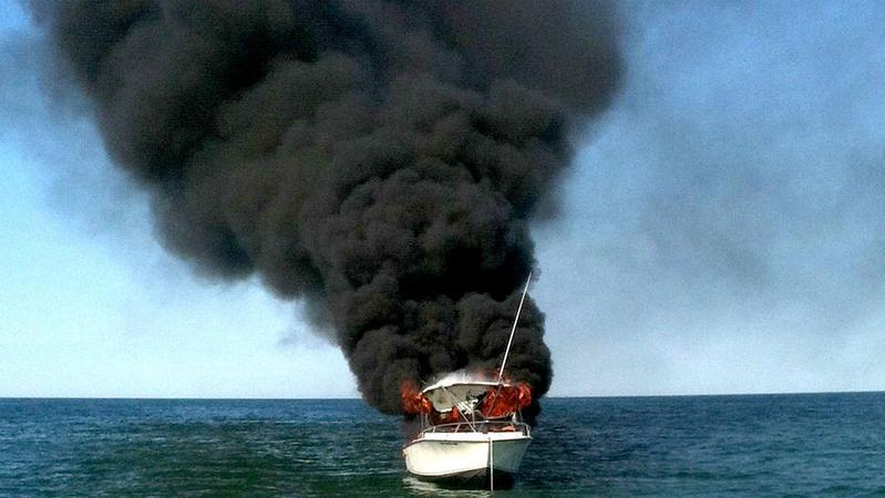 TLMD-harwich-bote-incendiado-rescate-cape-cod