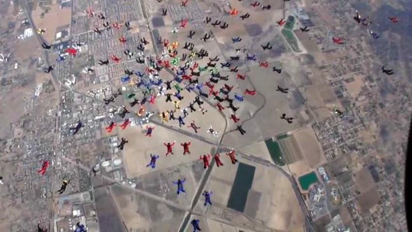 TLMD-paracaidistas-record-mundial-perris-california-formacion-sept-29-2015-