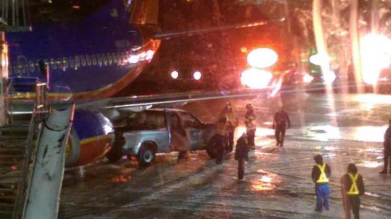 TLMD-pickup-choca-con-avion-Southwest-aeropuerto-Logan