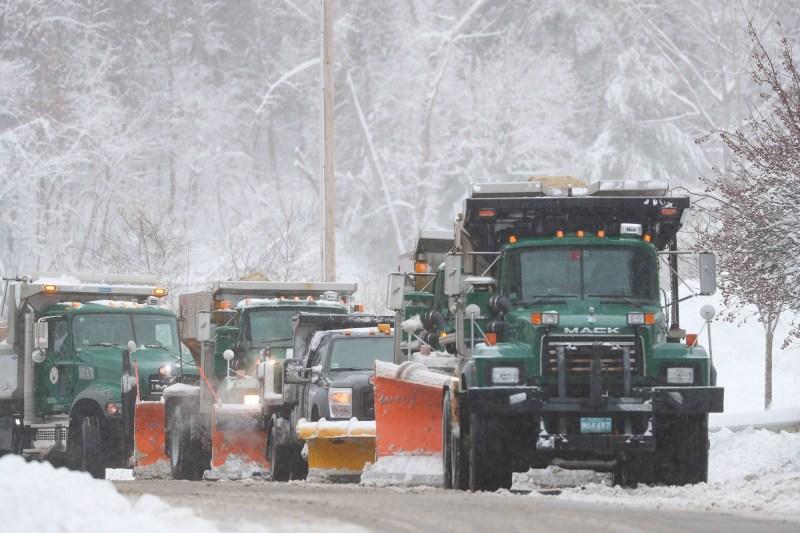 Llegó el invierno: Imágenes de la primera tormenta de nieve de la temporada