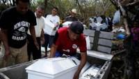 Familia asesinada recibe sepultura 37 años después