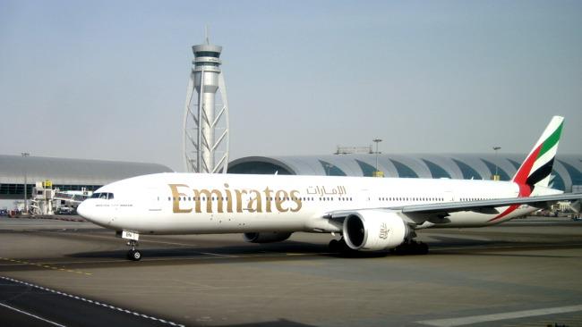 tlmd_emirates_airline_boeing_777_300_wikimedia_public_domain