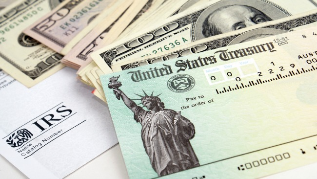 tlmd_taxes_refund_reembolso_irs_shutterstock_45292546