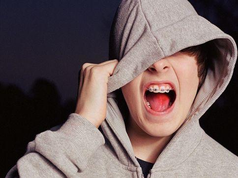 tlmd_teen_with_hoodie_636_484x363