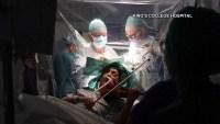 Mujer toca el violín durante su propia cirugía cerebral