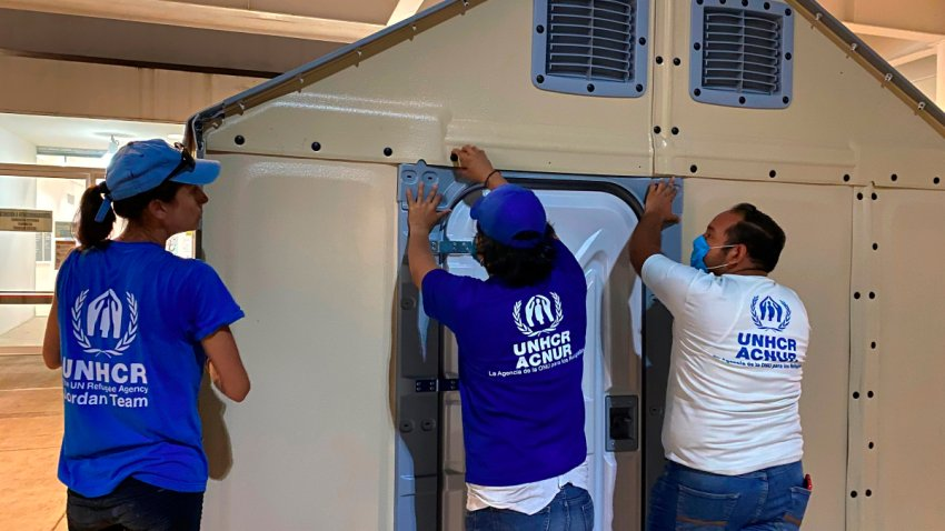 ACNUR instala viviendas para refugiados