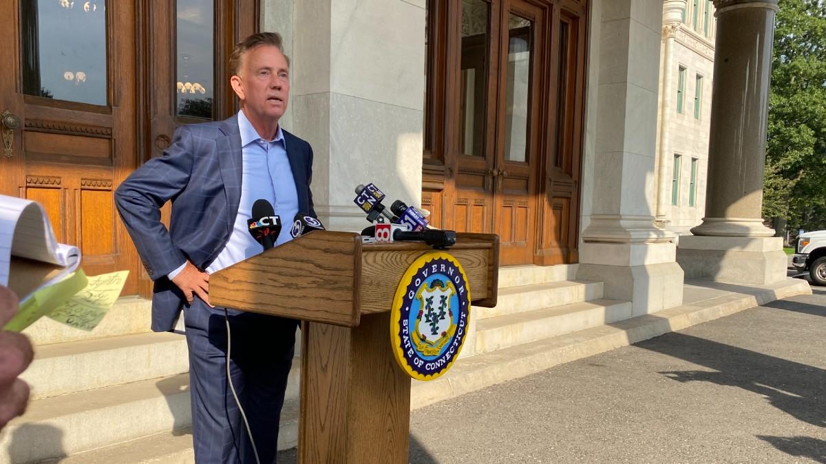 Lamont discute coronavirus durante aniversario de primer caso en Connecticut