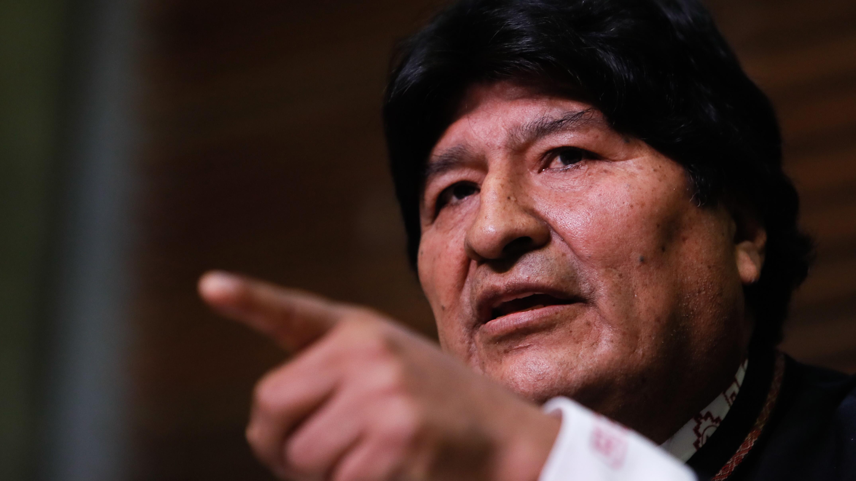 Evo Morales abandona Argentina rumbo a Venezuela