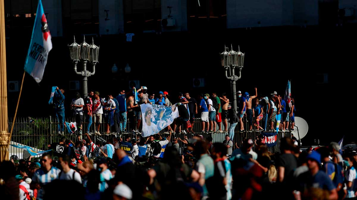 """Riesgo epidemiológico"" en Buenos Aires tras actos funerarios de Maradona"