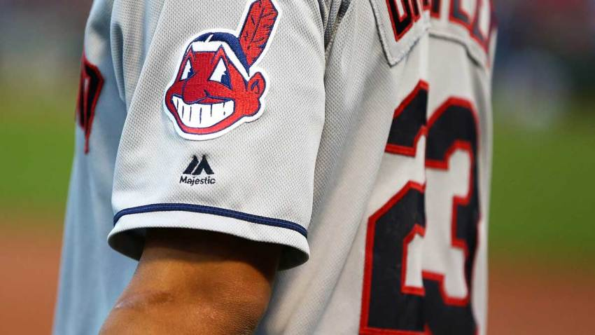 CLEVELAND INDIANS UNIFORM