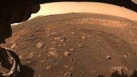 China posa una sonda espacial en Marte por primera vez
