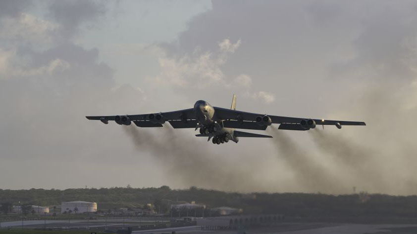 Crece la tensión: EEUU ordena vuelos de bombarderos B-52 como advertencia contra Irán