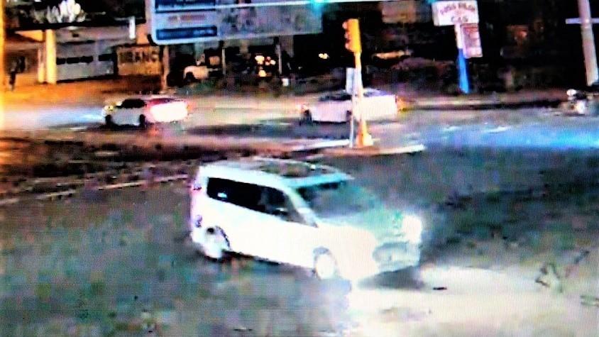 Autoridades publican imágenes de camioneta que atropelló peatón y se dio a la fuga en Somerville