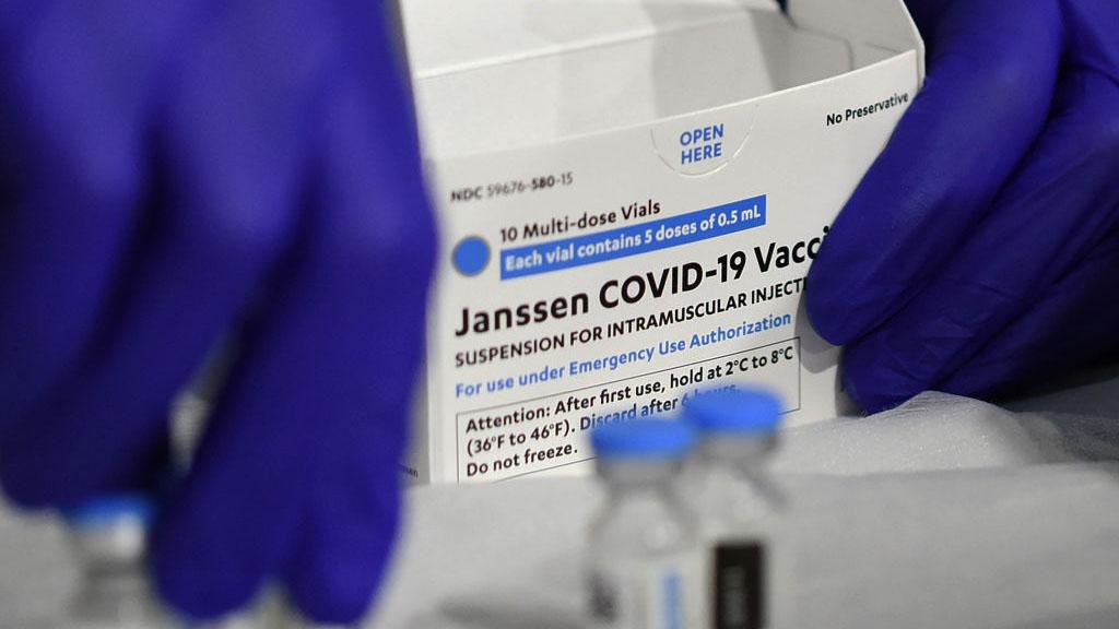 Vacuna de Johnson & Johnson y los coágulos: ingrediente clave podría explicar el nexo