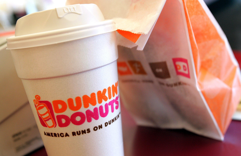 Mujer de Brockton demanda a Dunkin ' tras sufrir graves quemaduras de café