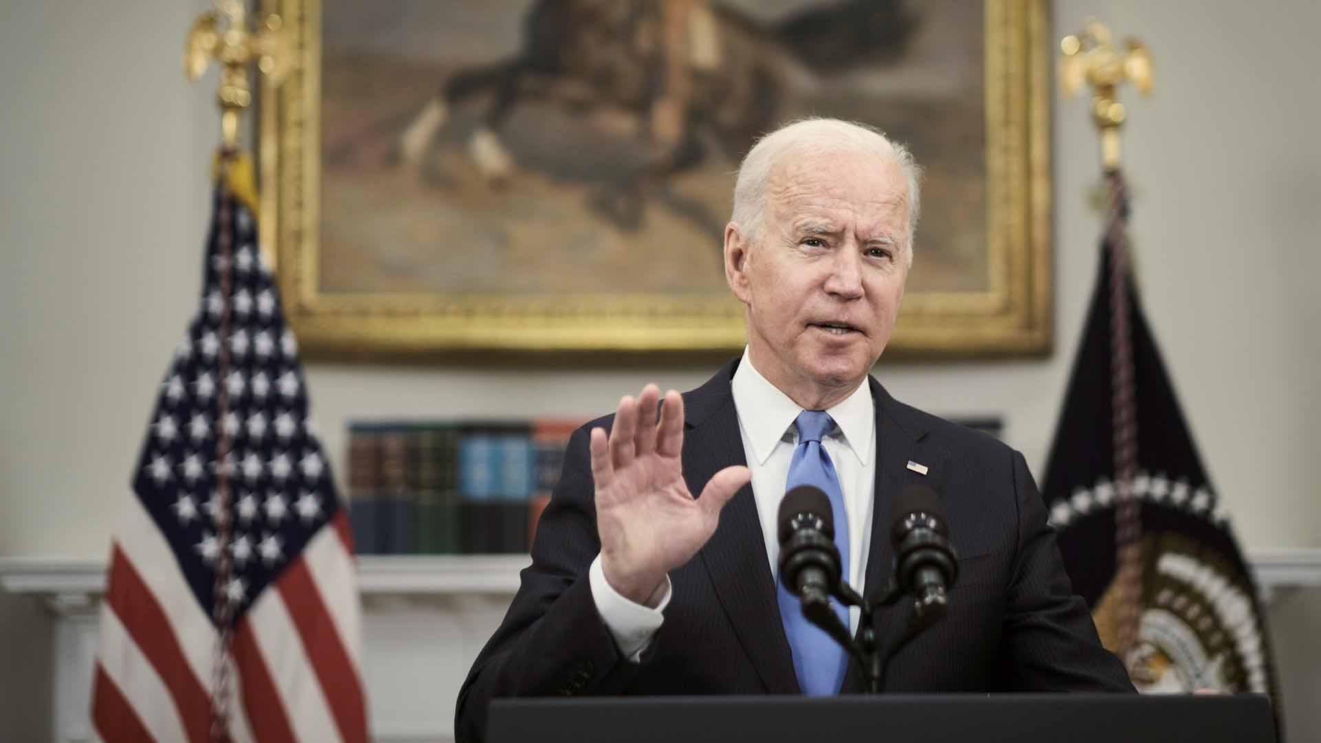 Biden afirma que el ciberataque a los oleoductos provino de Rusia
