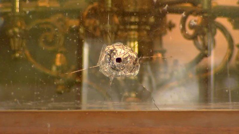 FOTOS: Descubren agujeros de bala en Capitolio de Connecticut