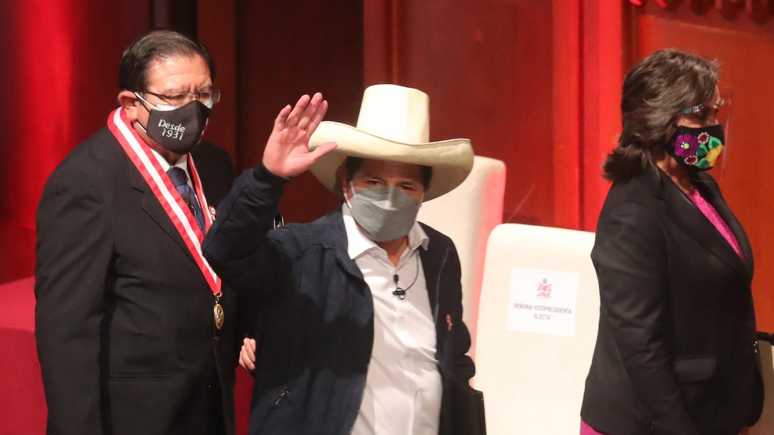 En Perú: gobierno de Pedro Castillo está listo para asumir funciones el miércoles