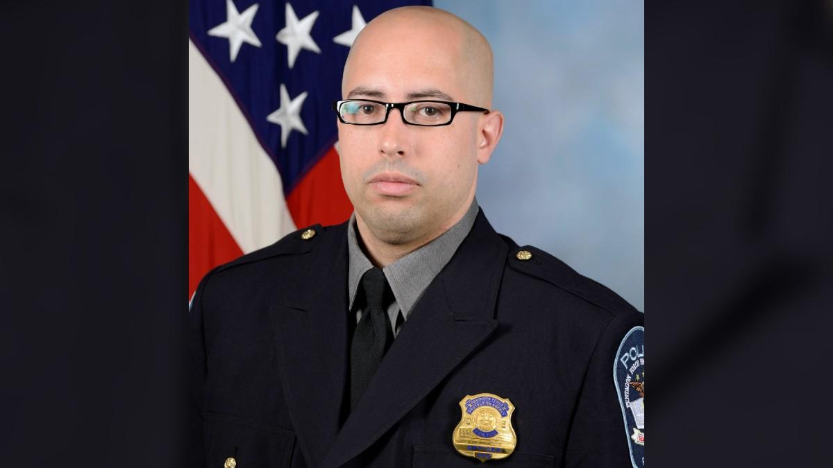 Identifican al oficial del Pentágono que murió tras presunto ataque a puñaladas