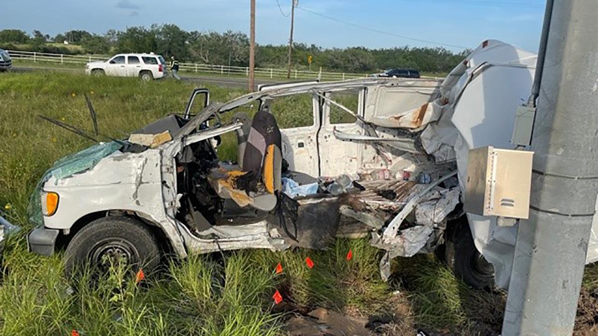 Al menos 10 migrantes mueren en accidente al sur de Texas
