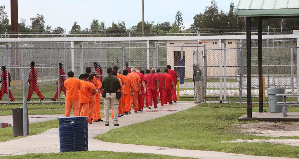 Las detenciones de inmigrantes suben pese a la promesa de Biden