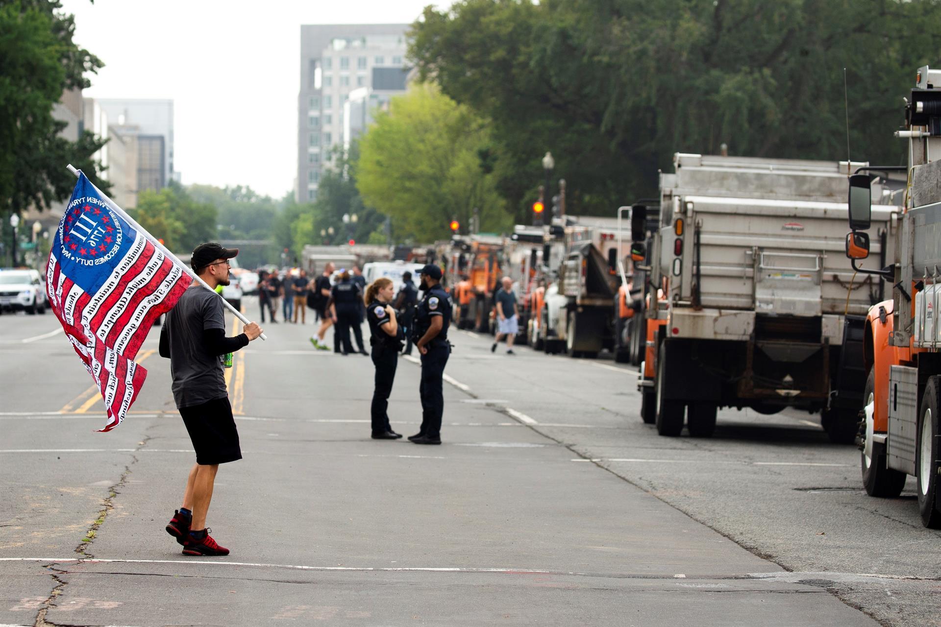 Marcha ultraderechista en DC: manifestantes se reunieron cerca del Capitolio; hay 4 arrestados