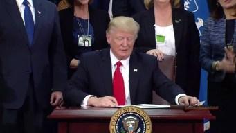 Juez bloquea orden de Trump sobre ciudades santuario