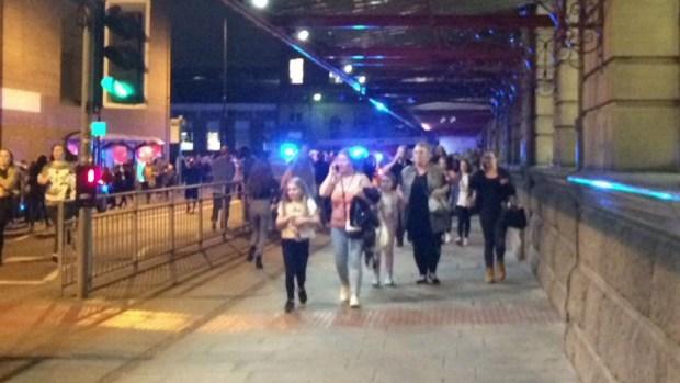 Detienen a padre y hermanos de atacante en Manchester