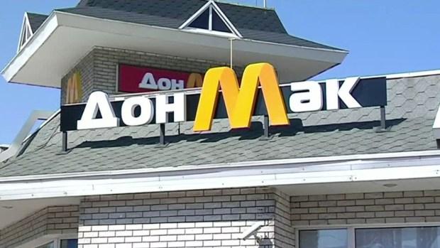 ¡Insólito! Niño de 8 años conduce carro por un antojo de hamburguesa