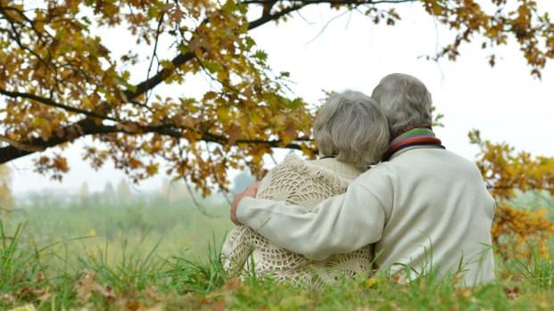 Estudio indica que casados sobreviven más al cáncer