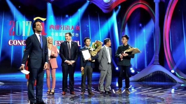Joven gana concurso de español en la televisión China
