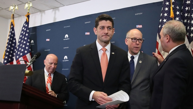 Cámara Baja de EEUU aprueba suprimir la mayor parte del Obamacare