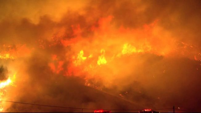 California: Fuego Rocky consume 15,000 acres