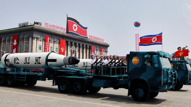 Corea del Norte dispara un misil de medio alcance