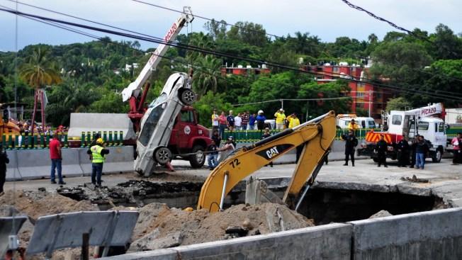 SCT presentará denuncia ante la PGR por socavón en Paso Express